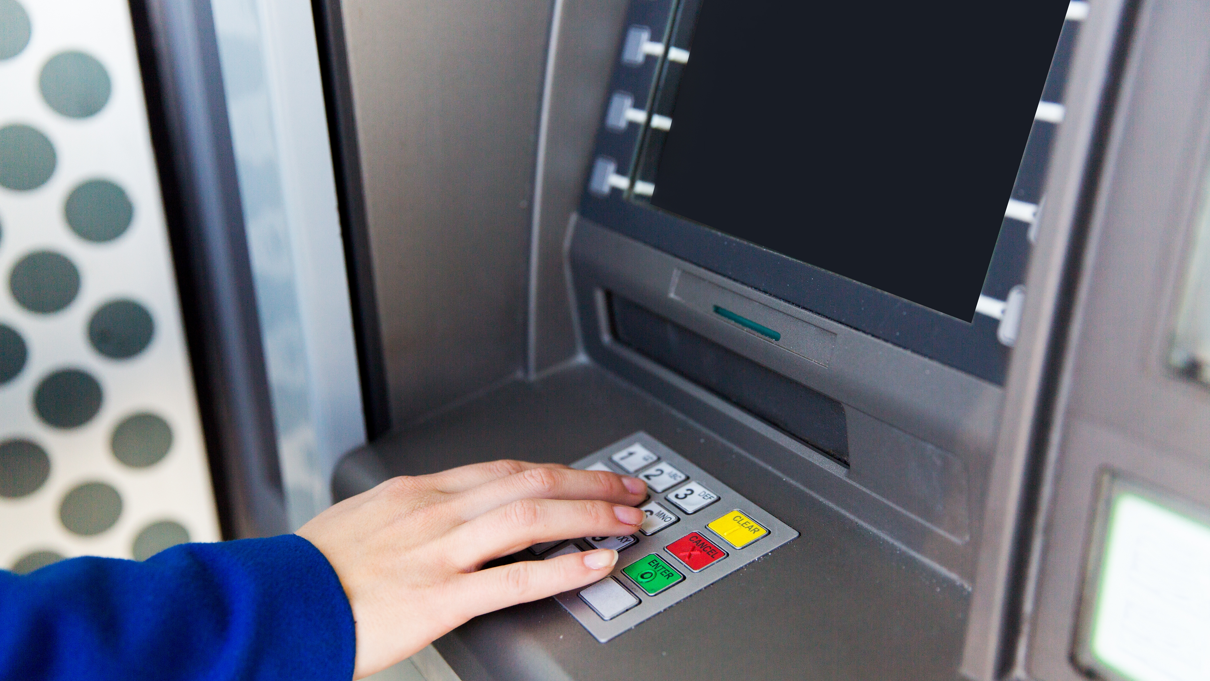 Free ATMs vanishing as another 1,700 have started charging