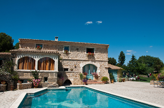 Holiday Rentals: cheap self-catering villas, cottages - MSE