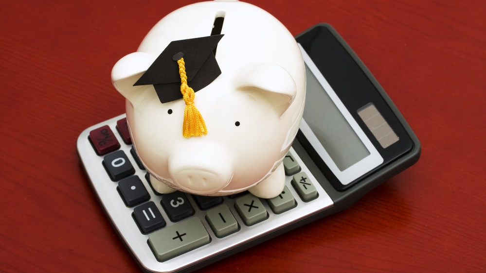 Calculator & guide – how much should you be saving for your kids to go to uni?