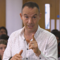 Martin Lewis slams Very for giving WRONG return rights info and forces the firm to replace customer's Apple Watch