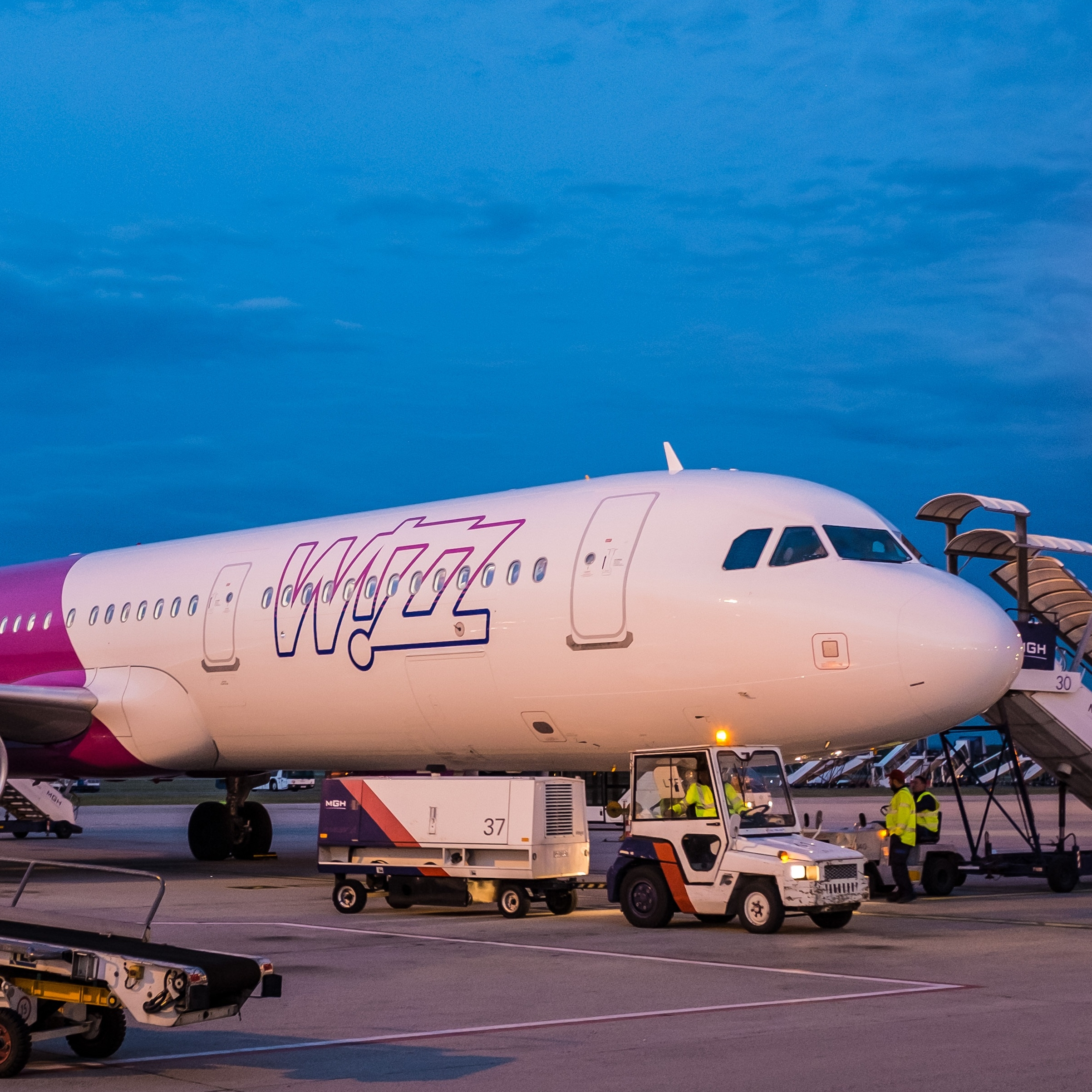 Wizz Air shrinks free baggage allowance