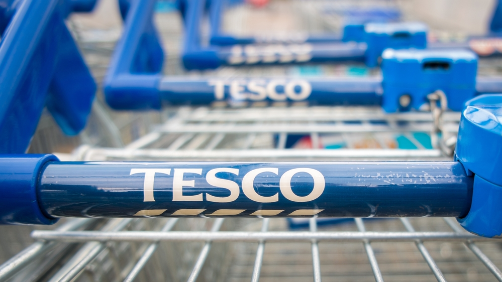 Tesco to trial paying customers who recycle p per plastic bottle